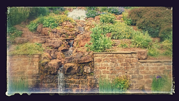 Natural Looking Buildings : Natural looking water feature gallery garden pond