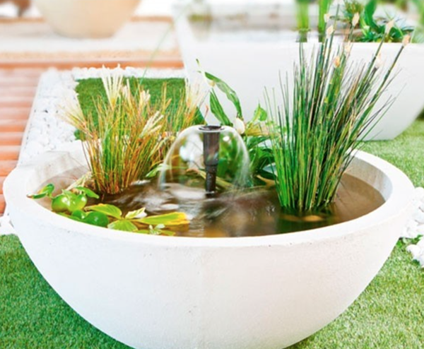 small-patio-ponds-container-water-garden-uk